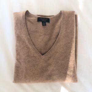 Cashmere camel sweater